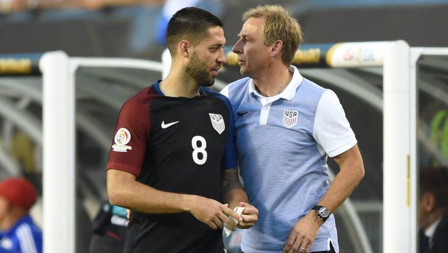 USA's Jurgen Klinsmann (R) talks to USA's Clint Dempsey during the Copa America Centenario football tournament match against Paraguay in Philadelphia, Pennsylvania, United States, on June 11, 2016.  / AFP / DON EMMERT        (Photo credit should read DON EMMERT/AFP/Getty Images)