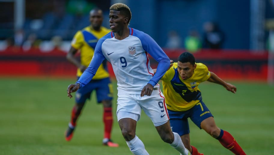 SEATTLE, WA - JUNE 16:  Gyasi Zardes #9 of the United States dribbles against Jefferson Montero #7 of Ecuador during the 2016 Quarterfinal - Copa America Centenario match at CenturyLink Field on June 16, 2016 in Seattle, Washington. The United States beat Ecuador 2-1.  (Photo by Otto Greule Jr/Getty Images)