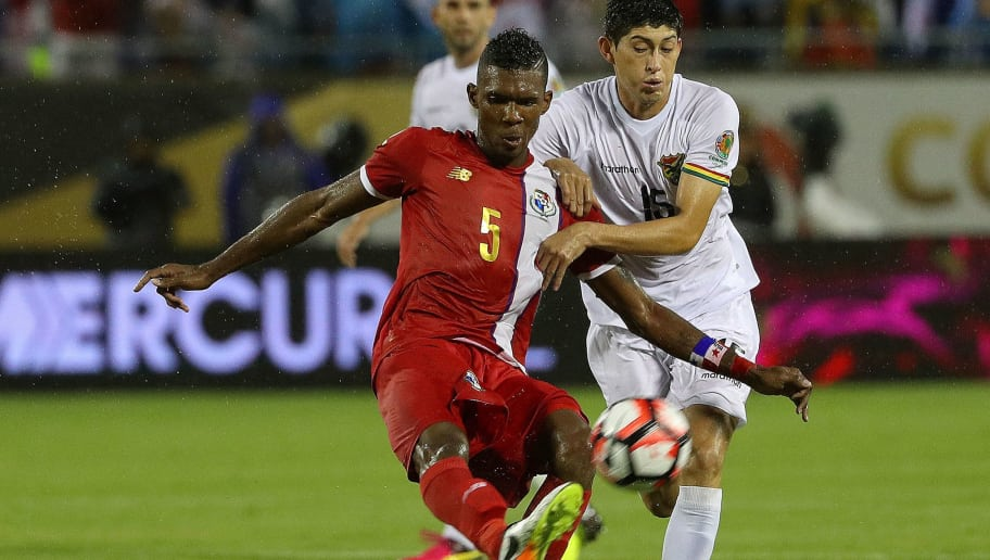 ORLANDO, FL - JUNE 06: Roderick Miller #5 of Panama and Pedro Azogue #15 of Bolivia fight for the ball during a match  during the 2016 Copa America Group D at Camping World Stadium on June 6, 2016 in Orlando, Florida.  (Photo by Mike Ehrmann/Getty Images)