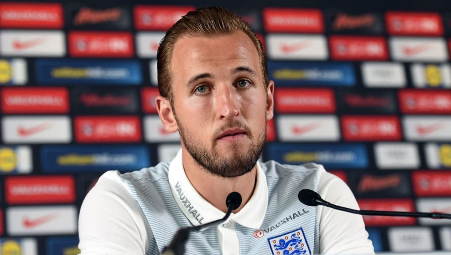 England forward Harry Kane addresses a press conference in Chantilly, north of Paris, on June 24, 2016, during the Euro 2016 football tournament.  / AFP / PAUL ELLIS        (Photo credit should read PAUL ELLIS/AFP/Getty Images)
