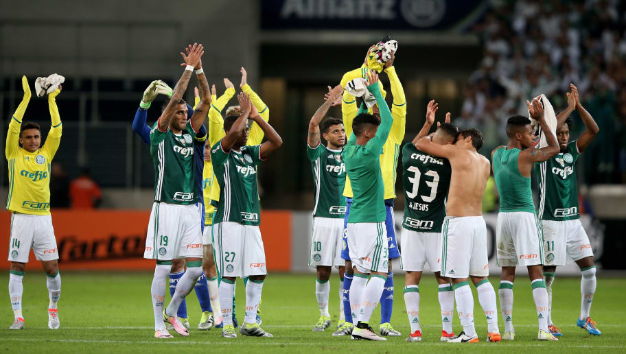 SAO PAULO, BRAZIL - JUNE 12:  The team of Palmeiras celebrates after winning the match between Palmeiras and Corinthians for the Brazilian Series A 2016 at Allianz Parque on June 12, 2016 in Sao Paulo, Brazil.  (Photo by Friedemann Vogel/Getty Images)