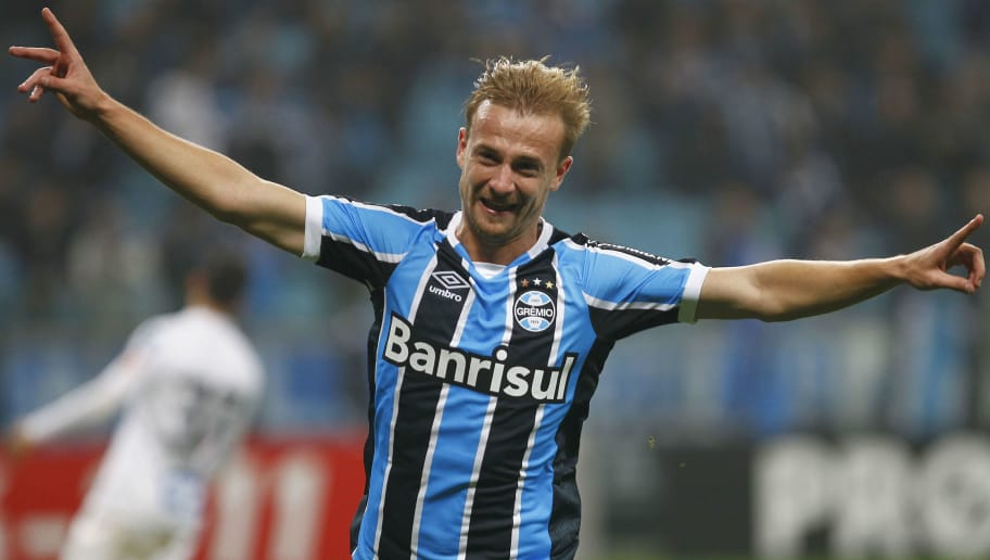 PORTO ALEGRE, BRAZIL - JUNE 29: Marcelo Hermes of Gremio celebrates a third goal during the match Gremio v Santos as part of Brasileirao Series A 2016, at Arena do Gremio  on June 03, 2015 in Porto Alegre, Brazil. (Photo by Lucas Uebel/Getty Images)