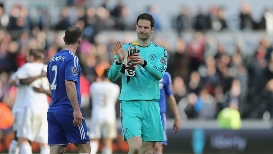 SWANSEA, WALES - APRIL 09: Asmir Begovic of Chelsea applauds the Chelsea fans after the Barclays Premier League match between Swansea City and Chelsea at the Liberty Stadium on April 9, 2016 in Swansea, Wales  (Photo by Alex Morton/Getty Images)