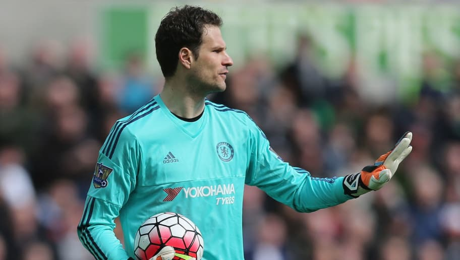 SWANSEA, WALES - APRIL 09: Asmir Begovic of Chelsea during the Barclays Premier League match between Swansea City and Chelsea at the Liberty Stadium on April 9, 2016 in Swansea, Wales  (Photo by Alex Morton/Getty Images)