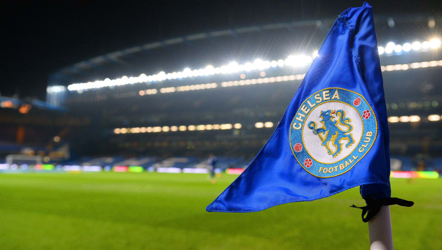 LONDON, ENGLAND - JANUARY 29:  The Chelsea badge is seen on the corner flag ahead of the Barclays Premier League match between Chelsea and West Ham United at Stamford Bridge on January 29, 2014 in London, England.  (Photo by Mike Hewitt/Getty Images)