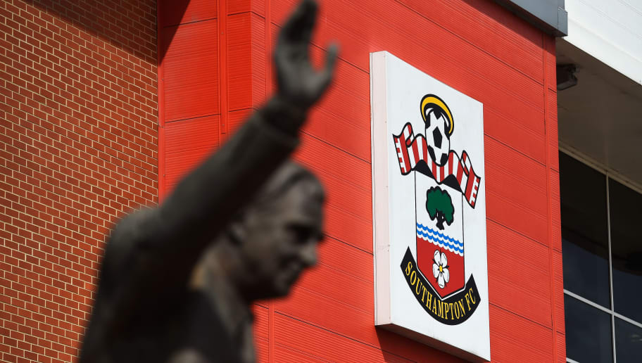 SOUTHAMPTON, ENGLAND - APRIL 25:  Southampton badge is seen prior to the Barclays Premier League match between Southampton and Tottenham Hotspur at St Mary's Stadium on April 25, 2015 in Southampton, England.  (Photo by Mike Hewitt/Getty Images)