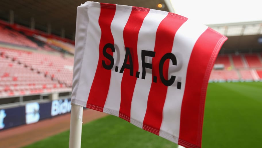 SUNDERLAND, ENGLAND - APRIL 12:  A corner flag is seen prior to the Barclays Premier League match between Sunderland and Everton at Stadium of Light on April 12, 2014 in Sunderland, England.  (Photo by Alex Livesey/Getty Images)