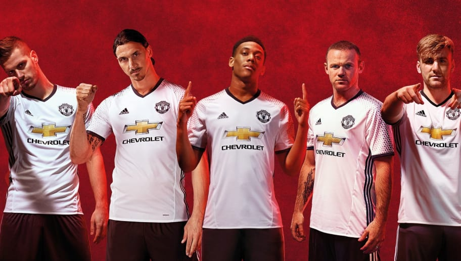 Manchester United Luncurkan Jersey Ketiga untuk Musim 2016 17  f40486ac5