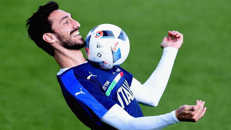 FLORENCE, ITALY - MAY 20:  Davide Astori in action during the Italy training session at the club's training ground at Coverciano on May 20, 2016 in Florence, Italy.  (Photo by Claudio Villa/Getty Images)