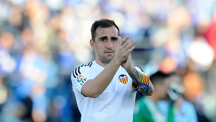 GETAFE, SPAIN - APRIL 24:  Paco Alcacer of Valencia applauds fans after Valencia drew 2-2 with Getafe CF during the La Liga match between Getafe CF and Valencia CF at Coliseum Alfonso Perez on April 24, 2016 in Getafe, Spain.  (Photo by Denis Doyle/Getty Images)