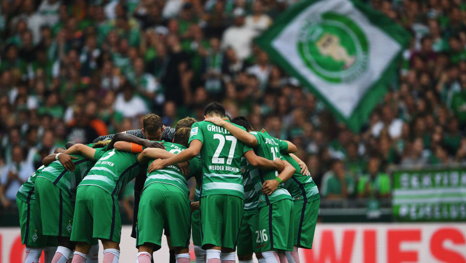 BREMEN, GERMANY - SEPTEMBER 11: The players of Bremen group together during the Bundesliga match between Werder Bremen and FC Augsburg at Weserstadion on September 11, 2016 in Bremen, Germany.  (Photo by Stuart Franklin/Bongarts/Getty Images)