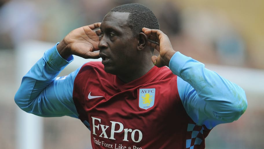 WOLVERHAMPTON, ENGLAND - SEPTEMBER 26:  Emile Heskey of Aston Villa celebrates scoring to make it 2-1 during the Barclays Premier League match between Wolverhampton Wanderers and Aston Villa at Molineux on September 26, 2010 in Wolverhampton, England.  (Photo by Michael Regan/Getty Images)