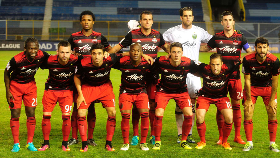 Players of Portland Timbers pose for pictures before match against  C. D. Dragon during a CONCACAF Champions League football match at the Cuscatlan Stadium in San Salvador on September 27, 2016. / AFP / MARVIN RECINOS        (Photo credit should read MARVIN RECINOS/AFP/Getty Images)