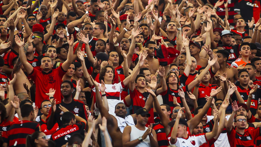 RIO DE JANEIRO, BRAZIL - AUGUST 23:  Fans attend before the Brasileirao Series A 2015 match between Flamengo and Sao Paulo at Maracana Stadium on August 23, 2015 in Rio de Janeiro, Brazil. (Photo by Bruna Prado/Getty Images)