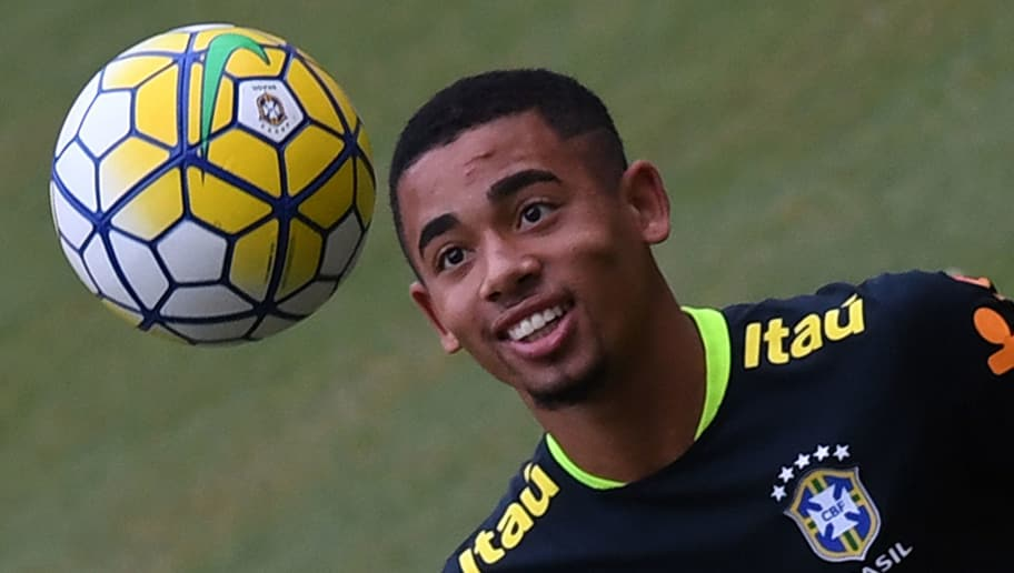 Brazil's player Gabriel Jesus takes part in a training session on September 5, 2016 at the Arena Amazonia stadium in Manaus, Brazil, on the eve of their Russia 2018 World Cup football qualifier match against Colombia. / AFP / VANDERLEI ALMEIDA        (Photo credit should read VANDERLEI ALMEIDA/AFP/Getty Images)