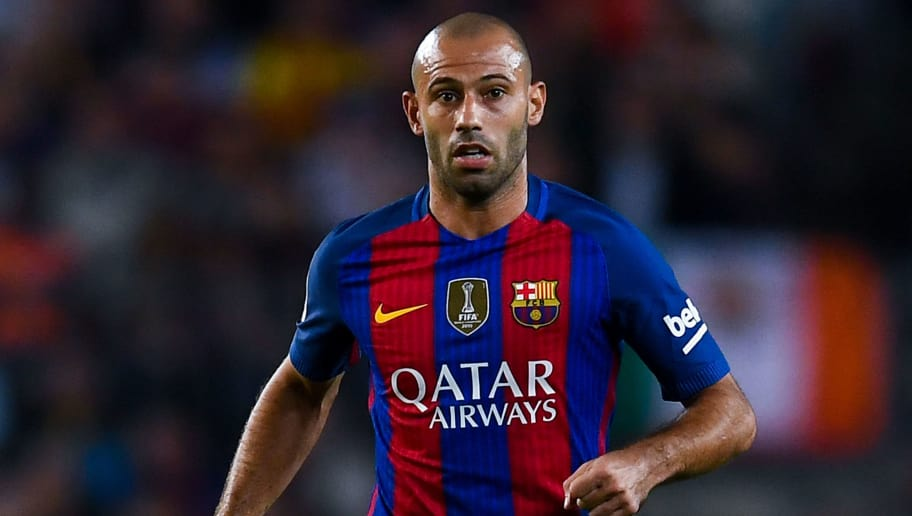 BARCELONA, SPAIN - SEPTEMBER 21:  Javier Mascherano of FC Barcelona runs with the ball during the La Liga match between FC Barcelona and Club Atletico de Madrid at the Camp Nou stadium on September 21, 2016 in Barcelona, Spain.  (Photo by David Ramos/Getty Images)