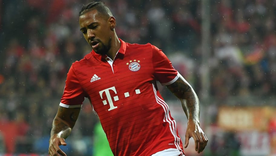 MUNICH, GERMANY - OCTOBER 19:  Jerome Boateng of FC Bayern Muenchen in action during the UEFA Champions League match between FC Bayern Muenchen and PSV Eindhoven at Allianz Arena on October 19, 2016 in Munich, Germany.  (Photo by Lennart Preiss/Bongarts/Getty Images)