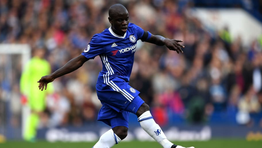 LONDON, ENGLAND - OCTOBER 15:  N'Golo Kante of Chelsea in action during the Premier League match between Chelsea and Leicester City at Stamford Bridge on October 15, 2016 in London, England.  (Photo by Shaun Botterill/Getty Images)