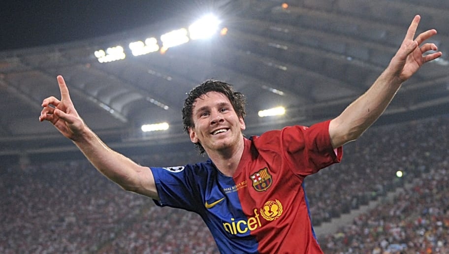 Barcelona´s Argentinian forward Lionel Messi celebrates after scoring against Manchester United during the final of the UEFA football Champions League on May 27, 2009 at the Olympic Stadium in Rome.        AFP PHOTO / CHRISTOPHE SIMON (Photo credit should read CHRISTOPHE SIMON/AFP/Getty Images)
