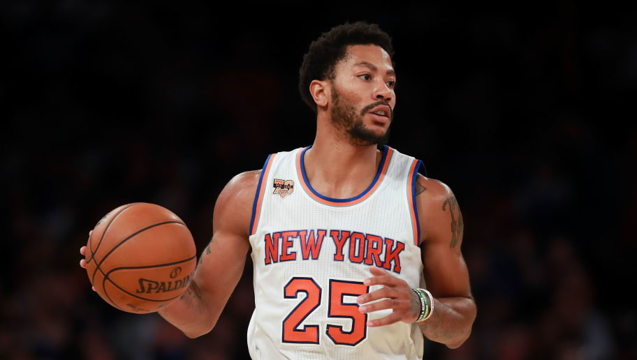 NEW YORK, NY - OCTOBER 29:  Derrick Rose #25 of the New York Knicks in action against the Memphis Grizzlies during the second half at Madison Square Garden on October 29, 2016 in New York City. NOTE TO USER: User expressly acknowledges and agrees that, by downloading and or using this photograph, User is consenting to the terms and conditions of the Getty Images License Agreement.  (Photo by Michael Reaves/Getty Images)