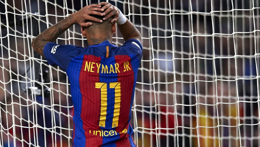 BARCELONA, SPAIN - NOVEMBER 19:  Neymar JR of Barcelona reacts as he fails to score during the La Liga match between FC Barcelona and Malaga CF at Camp Nou stadium on November 19, 2016 in Barcelona, Spain.  (Photo by Manuel Queimadelos Alonso/Getty Images)
