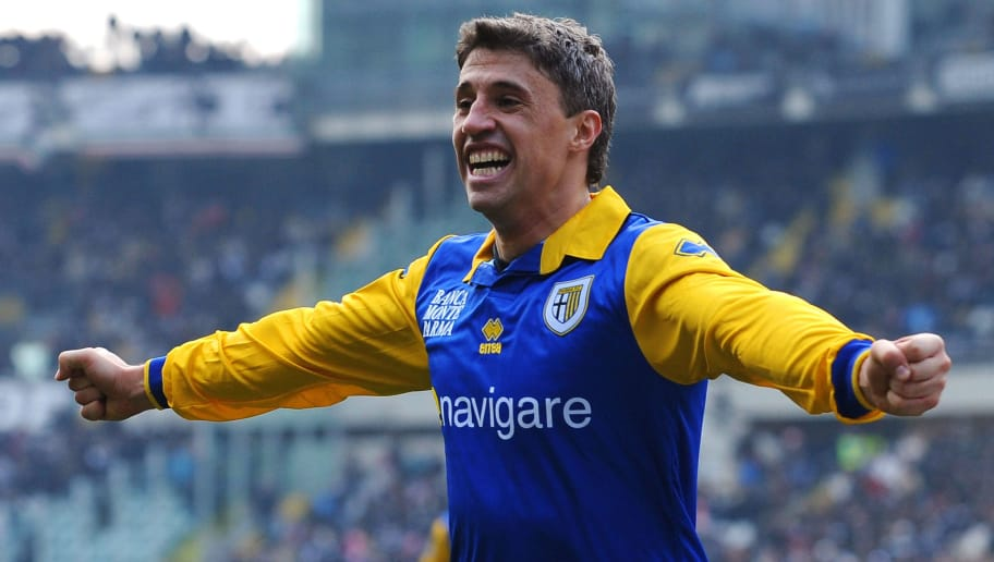 TURIN, ITALY - JANUARY 06:  Hernan Crespo of Parma FC celebrates his goal during the Serie A match between Juventus FC and Parma FC at Olimpico Stadium on January 6, 2011 in Turin, Italy.  (Photo by Valerio Pennicino/Getty Images)