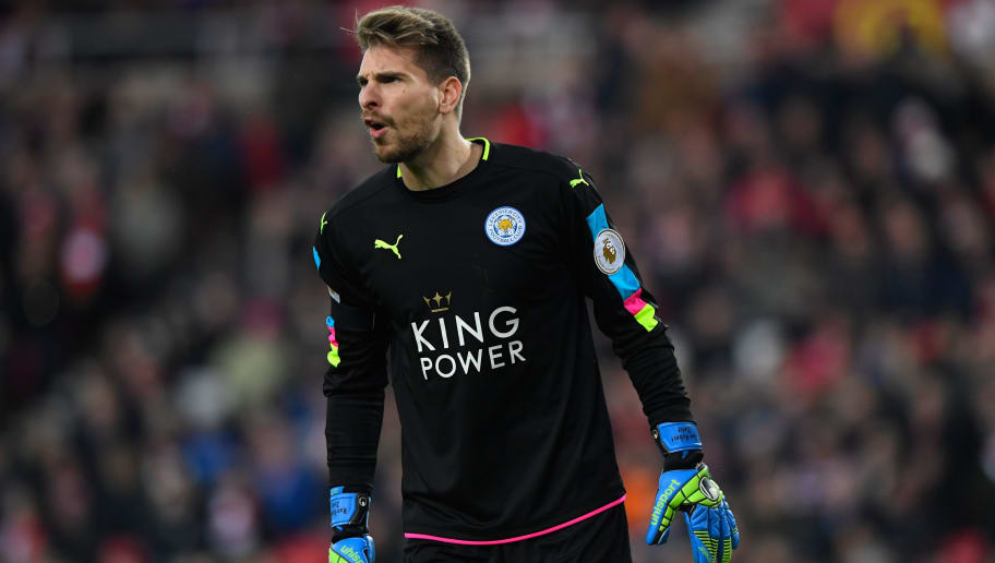 SUNDERLAND, ENGLAND - DECEMBER 03:  Leicester goalkeeper Ron-Robert Zieler reacts during the Premier League match between Sunderland and Leicester City at Stadium of Light on December 3, 2016 in Sunderland, England.  (Photo by Stu Forster/Getty Images)