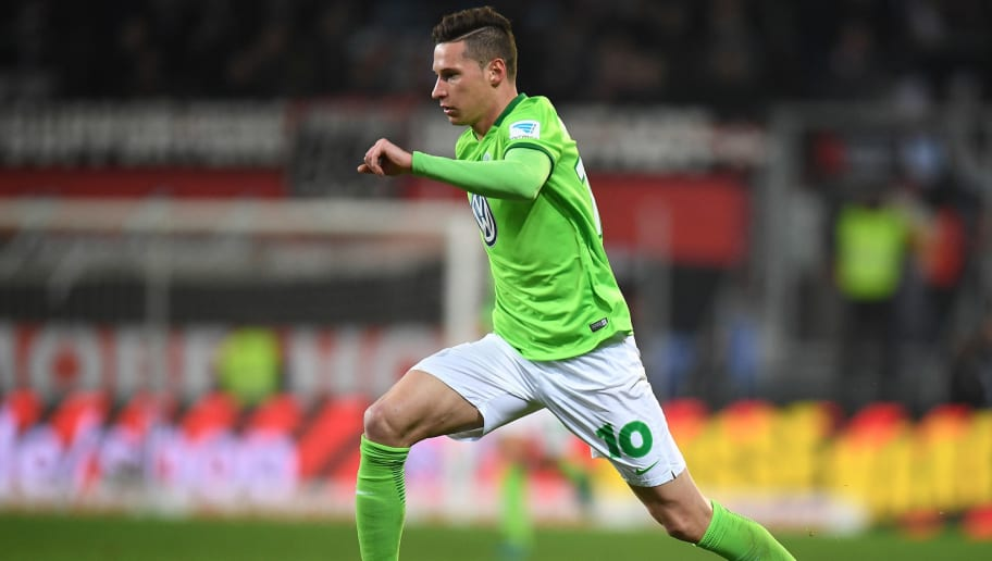 INGOLSTADT, GERMANY - NOVEMBER 26: Julian Draxler of Wolfsburg in action during the Bundesliga match between FC Ingolstadt 04 and VfL Wolfsburg at Audi Sportpark on November 26, 2016 in Ingolstadt, Germany.  (Photo by Deniz Calagan/Bongarts/Getty Images)