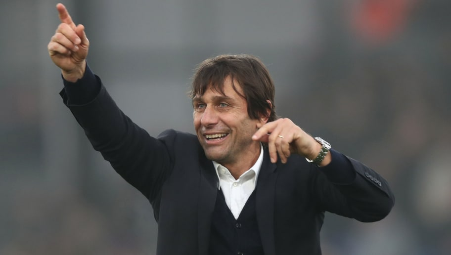 LONDON, ENGLAND - DECEMBER 17:  Antonio Conte, Manager of Chelsea shows appreciation to the fans after the final whistle during the Premier League match between Crystal Palace and Chelsea at Selhurst Park on December 17, 2016 in London, England.  (Photo by Clive Rose/Getty Images)