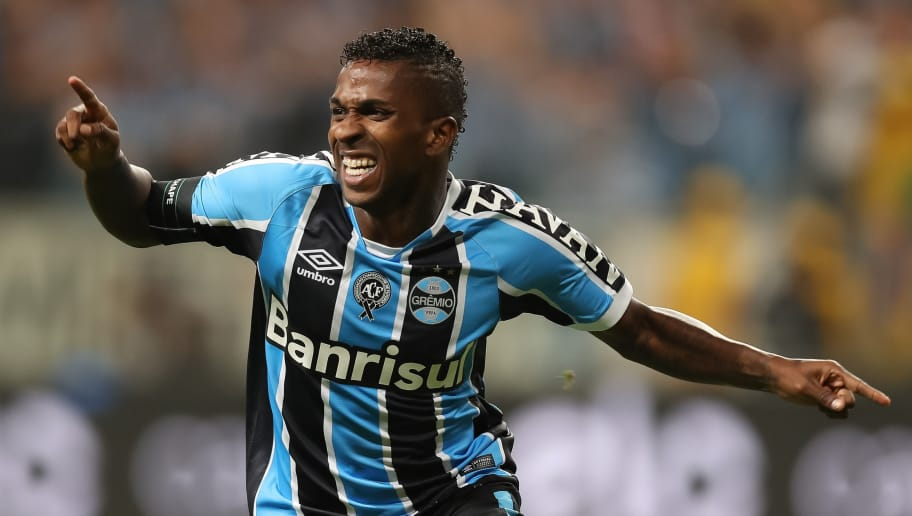 PORTO ALEGRE, BRAZIL - DECEMBER 07: Miller Bolaos of Gremio celebrates a score goal during a match between Gremio and Atletico MG as part of Copa do Brasil Final 2016 at Arena do Gremio on December 07, 2016 in Porto Alegre, Brazil. (Photo by Buda Mendes/Getty Images)