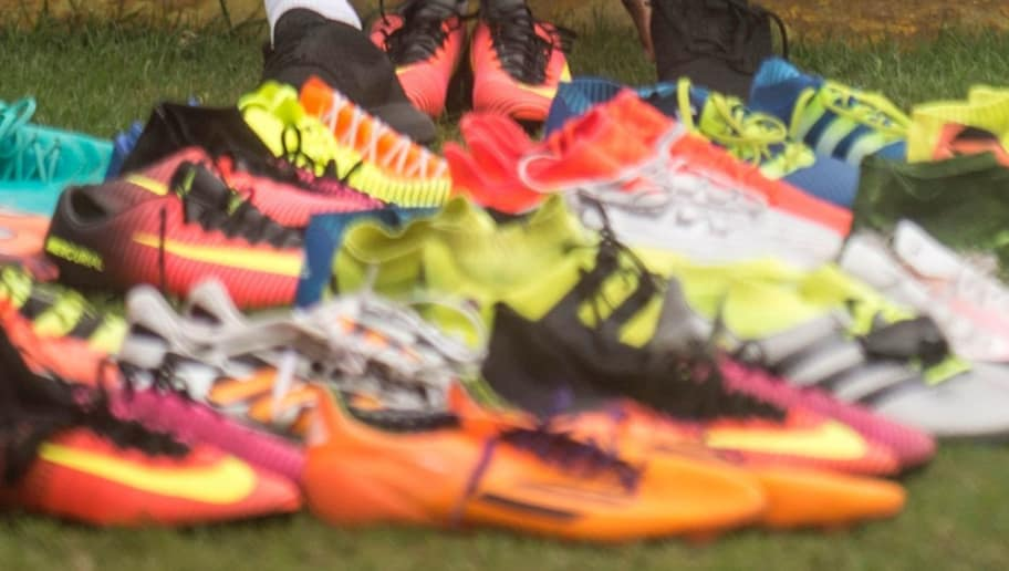 Fußball Schuhe Nike Adidas Puma