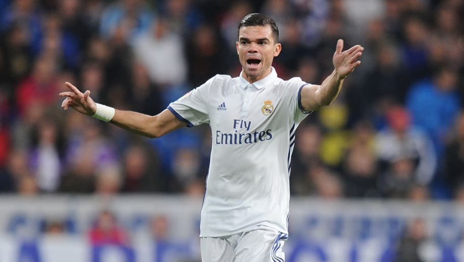 MADRID, SPAIN - DECEMBER 10:  Pepe of Real Madrid CF in action during the La Liga match between Real Madrid CF and RC Deportivo La Coruna at Estadio Santiago Bernabeu on December 10, 2016 in Madrid, Spain.  (Photo by Denis Doyle/Getty Images)