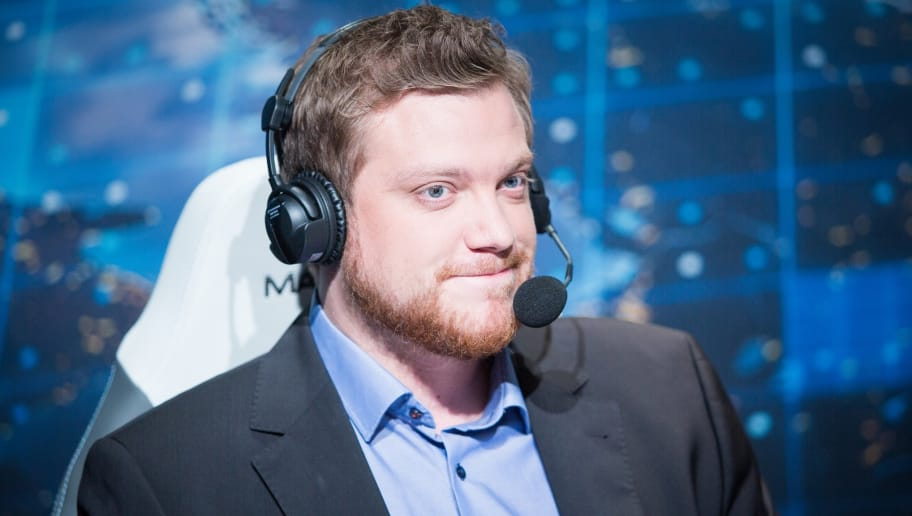 Ranking the Top 10 Greatest League of Legends Casters of All
