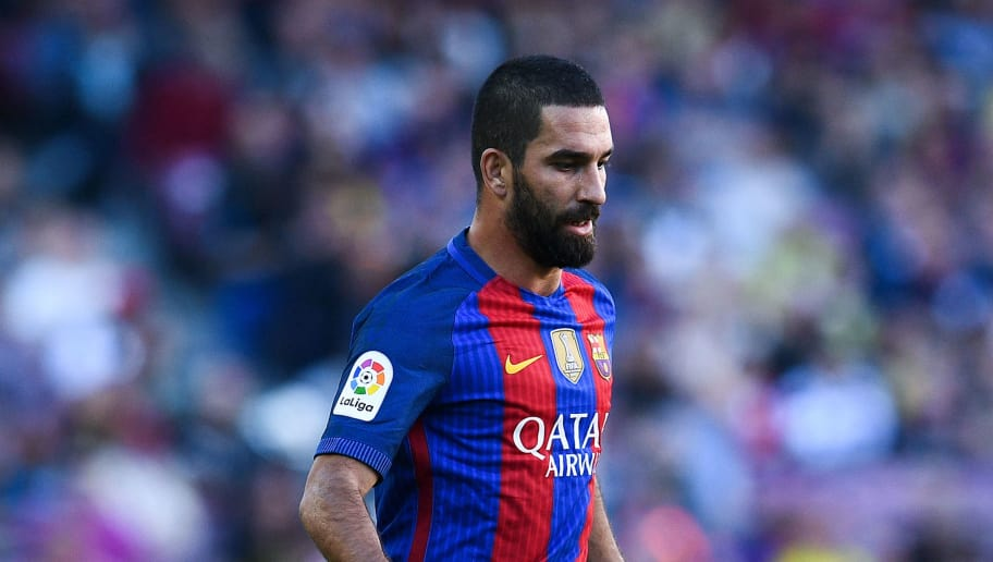 BARCELONA, SPAIN - OCTOBER 15:  Ardan Turan of FC Barcelona runs with the ball during the La Liga match between FC Barcelona and RC Deportivo La Coruna at Camp Nou stadium on October 15, 2016 in Barcelona, Spain.  (Photo by David Ramos/Getty Images)