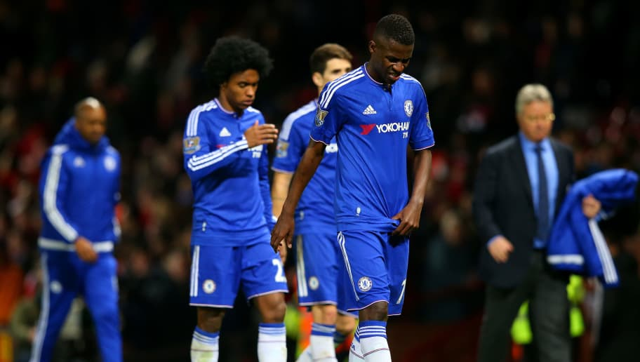 MANCHESTER, ENGLAND - DECEMBER 28:  Ramires of Chelsea leaves the field after the Barclays Premier League match between Manchester United and Chelsea at Old Trafford on December 28, 2015 in Manchester, England.  (Photo by Alex Livesey/Getty Images)