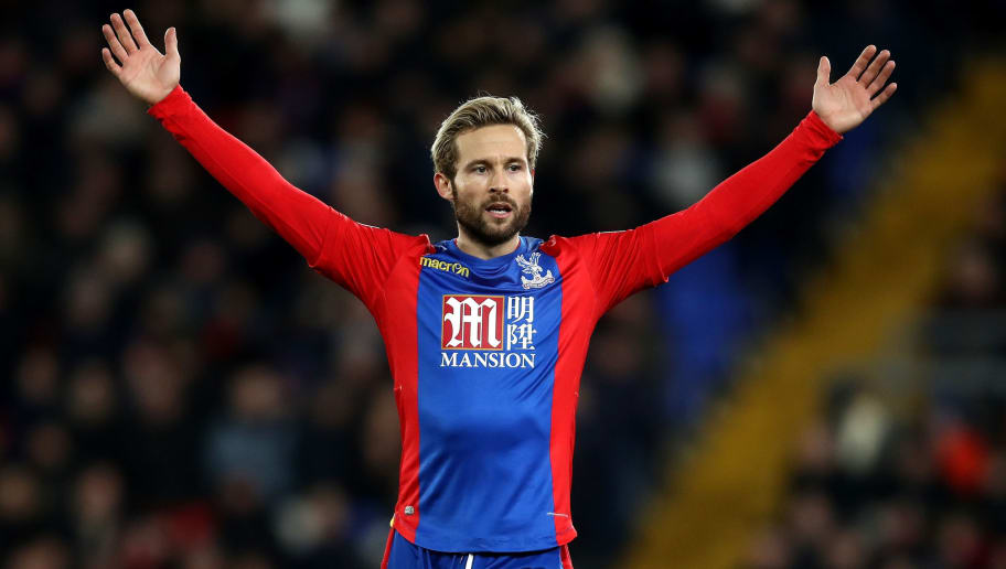 LONDON, ENGLAND - JANUARY 03: Yohan Cabaye of Crystal Palace gestures during the Premier League match between Crystal Palace and Swansea City at Selhurst Park on January 3, 2017 in London, England.  (Photo by Julian Finney/Getty Images)