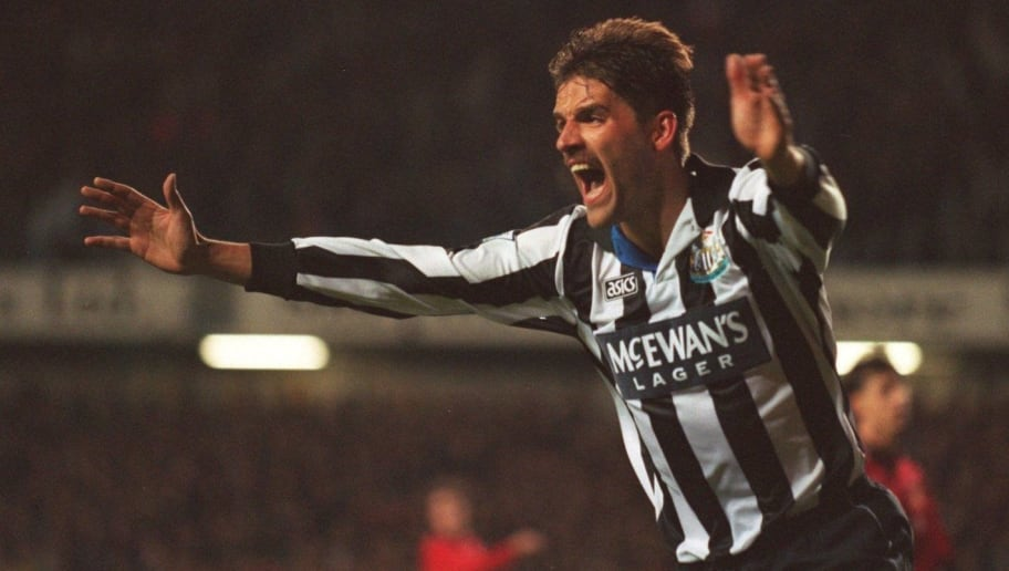 26 OCT 1994:  NEWCASTLE's PHILIPPE ALBERT CELEBRATES SCORING AGAINST MANCHESTER UNITED DURING THE COCA COLA LEAGUE CUP 3RD ROUND MATCH AT NEWCASTLE.