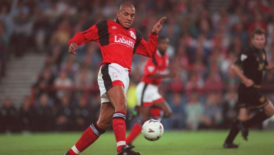22 AUG 1994:  STAN COLLYMORE OF NOTTINGHAM FOREST CONTROLS THE BALL DURING A PREMIERESHIP MATCH AGAINST MANCHESTER UNITED AT THE CITY GROUND, NOTTINGHAM. THE MATCH WAS A 1-1 DRAW. Mandatory Credit: Shaun Botterill/ALLSPORT