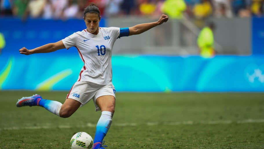 US' midfield Carli Lloyd kicks a penalty during the Rio 2016 Olympic Games Quarter-finals women's football match USA vs Sweden, at the Mane Garrincha Stadium in Brasilia on August 12, 2016. / AFP / EVARISTO SA        (Photo credit should read EVARISTO SA/AFP/Getty Images)