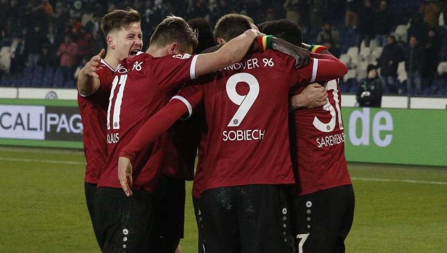 HANOVER, GERMANY - FEBRUARY 13: The Team of Hannover celebration the Goal 2:1 during the Second Bundesliga match between Hannover 96 and VfL Bochum 1848 at HDI-Arena on February 13, 2017 in Hanover, Germany. (Photo by Joachim Sielski/Bongarts/Getty Images)