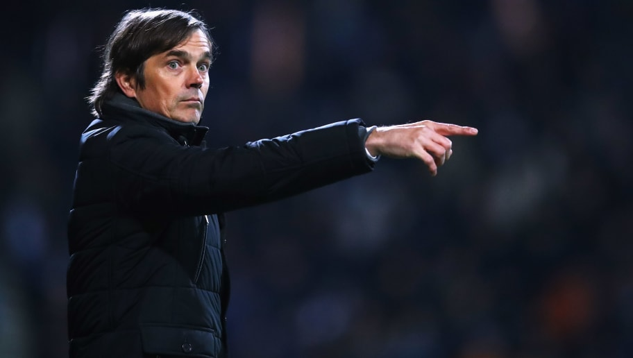 ALMELO, NETHERLANDS - JANUARY 28:  PSV Manager / Head Coach, Phillip Cocu gives his players instructions from the sidelines during the Dutch Eredivisie match between Heracles Almelo and PSV Eindhoven held at Polman Stadion on January 28, 2017 in Almelo, Netherlands.  (Photo by Dean Mouhtaropoulos/Getty Images)