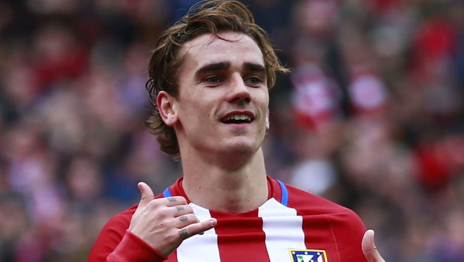 MADRID, SPAIN - MARCH 05:  Antoine Griezmann of Atletico de Madrid celebrates scoring their third goal during the La Liga match between Club Atletico de Madrid and Valencia CF at Estadio Vicente Calderon on March 5, 2017 in Madrid, Spain.  (Photo by Gonzalo Arroyo Moreno/Getty Images)