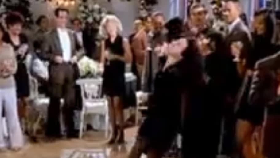 Video Julia Louis Dreyfus Posts Hilarious Seinfeld Reaction To