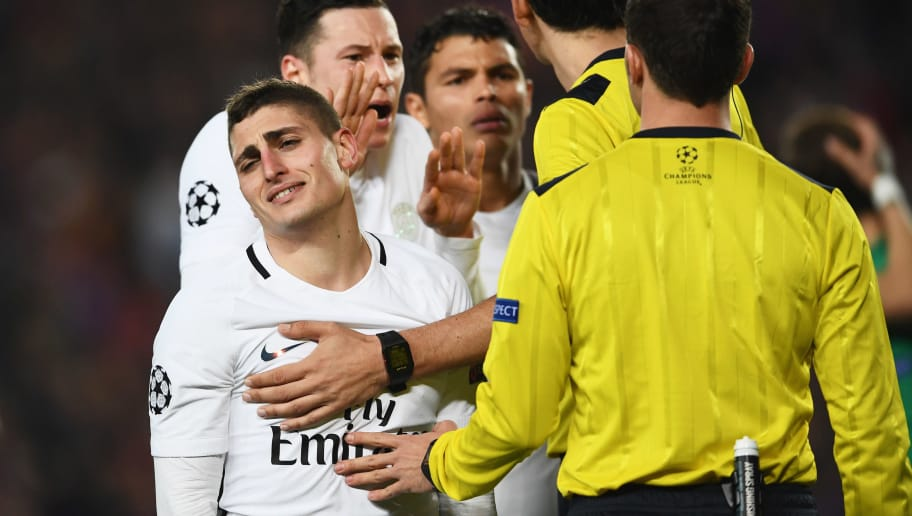 BARCELONA, SPAIN - MARCH 08:  Marco Verratti and Julian Draxler of PSG appeal as Barcelona are awarded a penalty during the UEFA Champions League Round of 16 second leg match between FC Barcelona and Paris Saint-Germain at Camp Nou on March 8, 2017 in Barcelona, Spain.  (Photo by Laurence Griffiths/Getty Images)