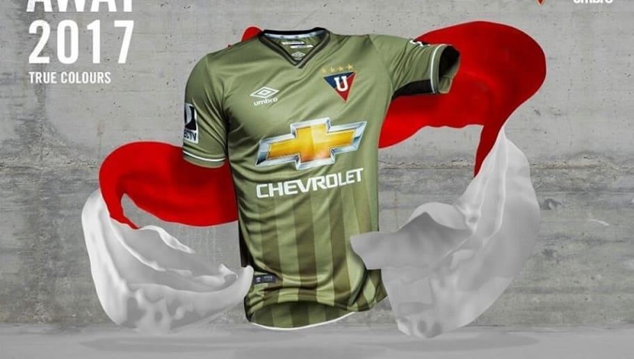 d4e8864ac4 A vice-liderança da competição ficou para a camisa 2 da Liga Deportiva  Universitaria.