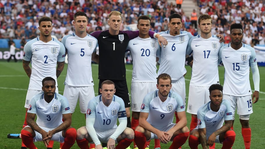 Top row from leftL England's defender Kyle Walker, England's defender Gary Cahill, England's goalkeeper Joe Hart, England's midfielder Dele Alli England's defender Chris Smalling England's midfielder Eric Dier England's forward Daniel Sturridge and bottom row from left: England's defender Danny Rose, England's forward Wayne Rooney, England's forward Harry Kane England's midfielder Raheem Sterling pose for a group photo at the start of the Euro 2016 round of 16 football match between England and Iceland at the Allianz Riviera stadium in Nice on June 27, 2016.   / AFP / PAUL ELLIS        (Photo credit should read PAUL ELLIS/AFP/Getty Images)
