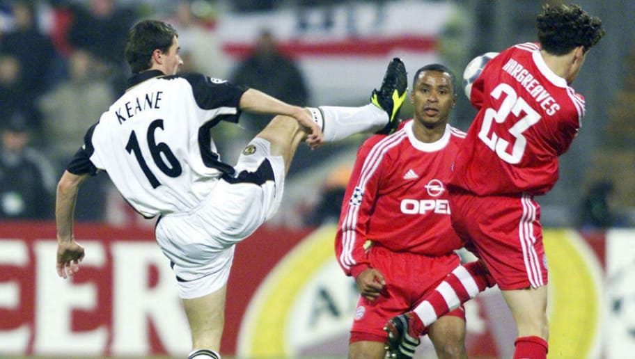 MUNICH, GERMANY - NOVEMBER 20:  CHAMPIONS LEAGUE 01/02, Muenchen; FC BAYERN MUENCHEN - MANCHESTER UNITED 1:1; Roy KEANE/MANCHESTER, Paulo SERGIO, Owen HARGREAVES/BAYERN  (Photo by Sandra Behne/Bongarts/Getty Images)