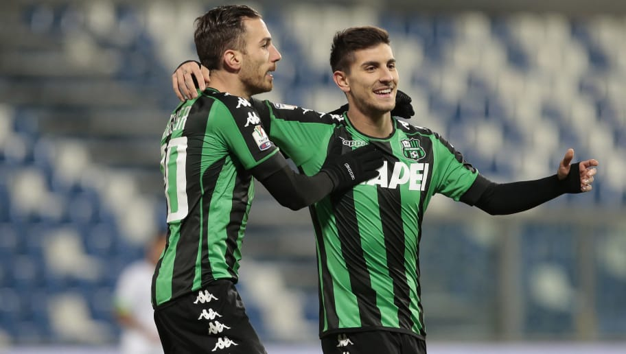 REGGIO NELL'EMILIA, ITALY - JANUARY 18:  Lorenzo Pellegrini of US Sassuolo Calcio celebrates with his team-mates Antonio Ragusa (L) after scoring the opening goal during the TIM Cup match between US Sassuolo and AC Cesena at Mapei Stadium - Citta' del Tricolore on January 18, 2017 in Reggio nell'Emilia, Italy.  (Photo by Getty Images/Getty Images)