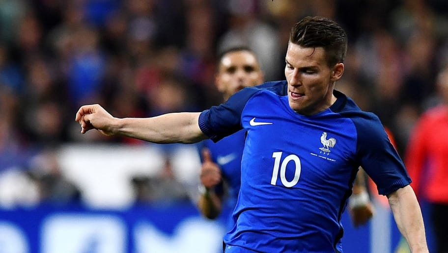 France's forward Kevin Gameiro controls the ball during the friendly football match France vs Spain on March 28, 2017 at the Stade de France stadium in Saint-Denis, north of Paris.  / AFP PHOTO / FRANCK FIFE        (Photo credit should read FRANCK FIFE/AFP/Getty Images)