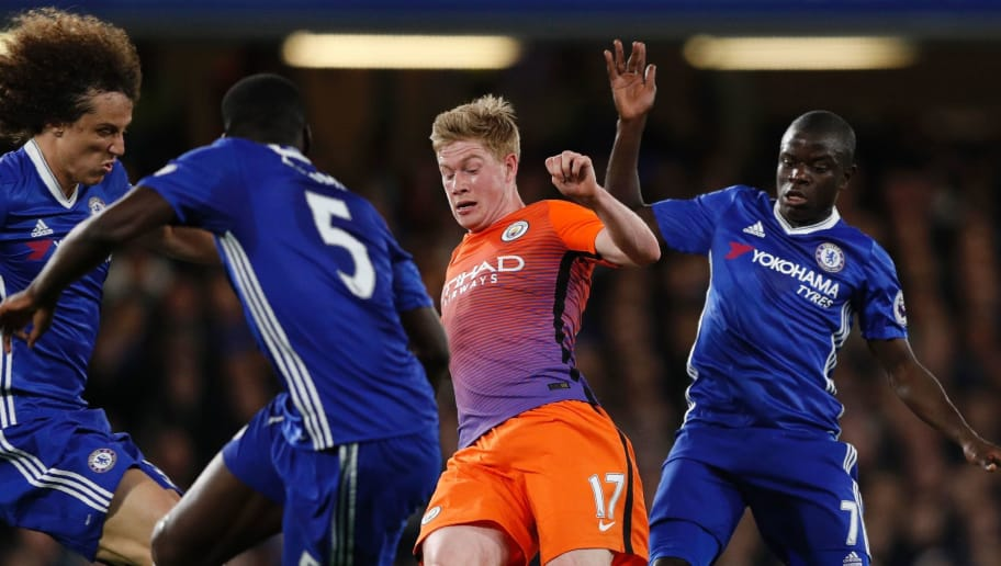 Manchester City's Belgian midfielder Kevin De Bruyne (2R) vies with Chelsea's Brazilian defender David Luiz, Chelsea's French defender Kurt Zouma and Chelsea's French midfielder N'Golo Kante during the English Premier League football match between Chelsea and Manchester City at Stamford Bridge in London on April 5, 2017. / AFP PHOTO / Adrian DENNIS / RESTRICTED TO EDITORIAL USE. No use with unauthorized audio, video, data, fixture lists, club/league logos or 'live' services. Online in-match use limited to 75 images, no video emulation. No use in betting, games or single club/league/player publications.  /         (Photo credit should read ADRIAN DENNIS/AFP/Getty Images)